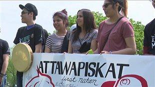 Des jeunes de Sudbury offrent leur soutien à la communauté d'Attawapiskat