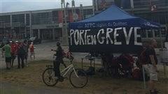 Grève au Vieux-Port : fêtardsdans la marina et mariages annulés