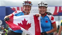 Catharine Pendrel et Emily Batty montent sur le podium en Coupe du monde