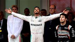 Hamilton gagne à Monaco