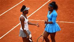 Venus et Serena éliminées en double à Paris