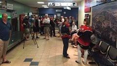 Les Huskies accueillis chaleureusement par leurs partisans