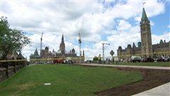 Le gouvernement fédéral a à l'oeil des entrepreneurs poursuivis par l'Hôpital d'Ottawa