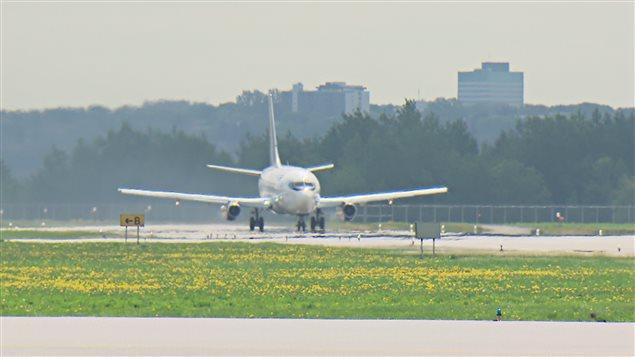 Quelque 70 vols internationaux ont été annulés en juin.