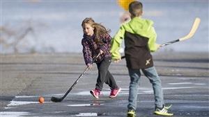 Jouer dehors, un facteur de développement chez l'enfant