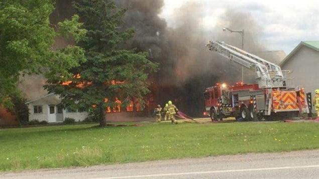 Les pompiers sont arrivés sur les lieux à 13 h.