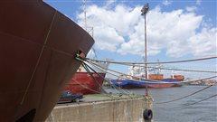 Visite inédite d'un navire qui ravitaille les villages du Grand Nord
