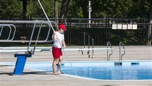 Sauveteur piscine du parc Laurier