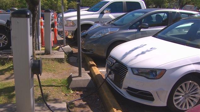 Des bornes de recharge pour voitures électriques