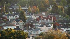 Immobilier: Nouvelle taxe de 15% imposée en Colombie-Britannique aux investisseurs étrangers.