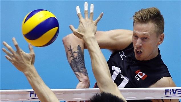 Daniel Cornelius Jansen Vandoorn de l'équipe canadienne de volleyball