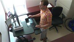 Un chercheur s'intéresse aux effets sur la santé de la position assise