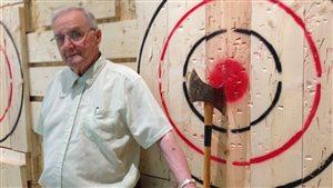 Roger Beaudoin à côté de la cible