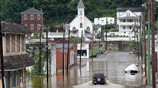 Les rues inondées de Richwood, en Virginie-Occidentale, le 24 juin