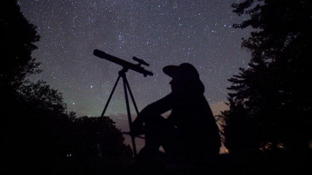Observateur d'étoiles.