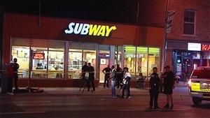 Trois hommes ont été blessés dans la nuit de vendredi à samedi lors d'une fusillade dans le marché By à Ottawa.