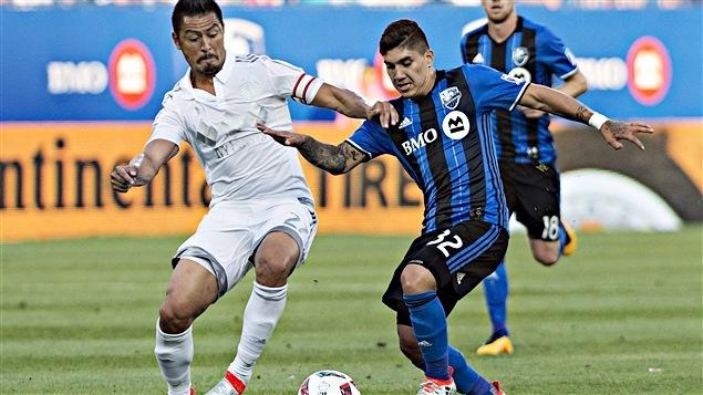 Lucas Ontivero (32) et Roger Espinoza
