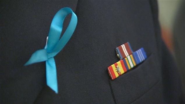 Le ruban couleur sarcelle symbolisera cette journée de sensibilisation au trouble post-traumatique.