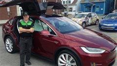 Une Tesla de 200 000 $ en cadeau pour le président de Roulez électrique à Trois-Rivières