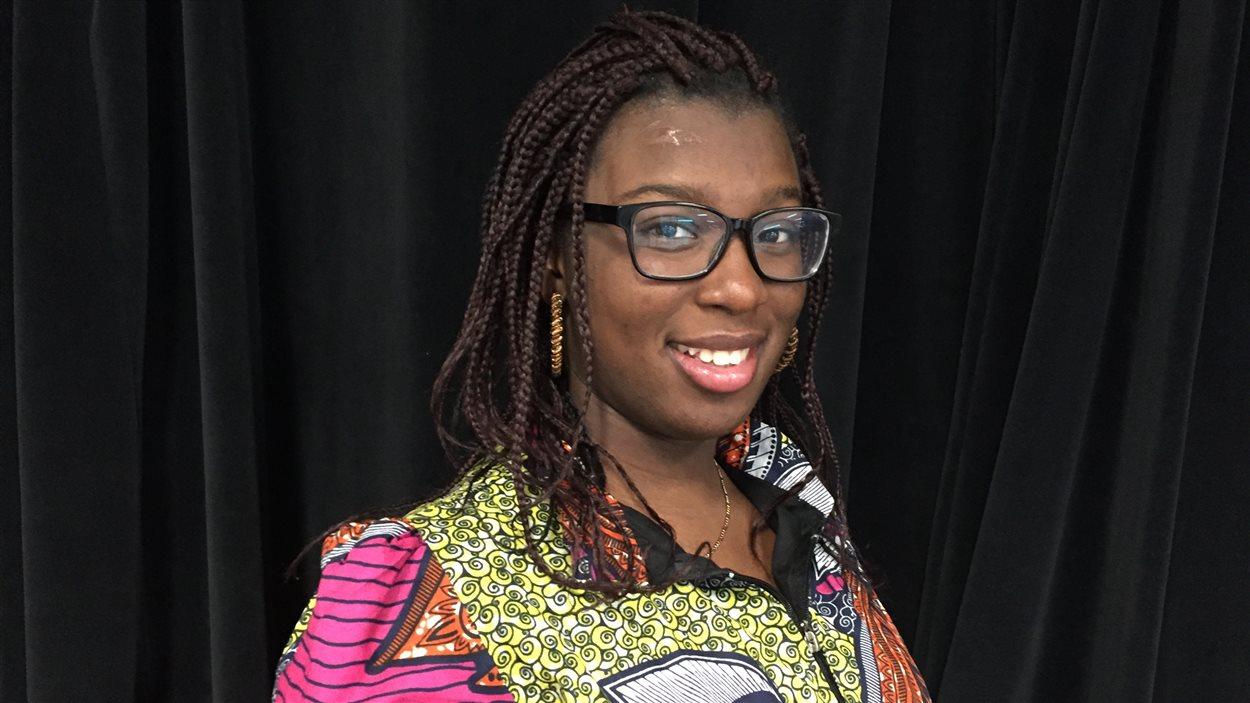D'origine congolaise, Melissa Seya rend visite à nos studios de Saskatoon.