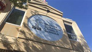 La Division scolaire catholique de Saskatoon.