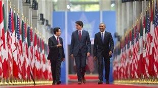 Les « 3 amigos »  de gauche à droite : le président du Mexique Enrique Pena Nieto, le premier ministre Justin Trudeau et le président américain Barack Obama.
