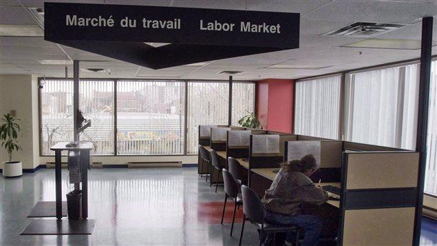 Un chômeur à la recherche d'un emploi