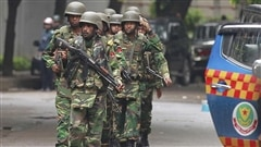 Au moins 8otages libérés dans unrestaurant du Bangladesh