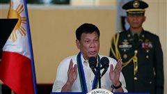 Le président des Philippines encourage les rebelles communistes à tuer les criminels