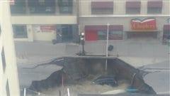 Entrevue avec l'homme dont la camionnette est tombée dans le trou de la rue Rideau
