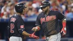 Les Jays plient devant les Indians en 19e manche