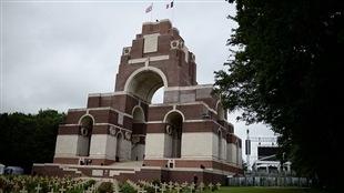 Le mémorial de Thiepval, en France, peu avant la cérémonie de commémoration du 100e anniversaire de l'offensive de la Somme.