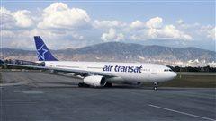 Les deux pilotes d'Air Transat arrêtés en Écosse sontlibérés sous caution