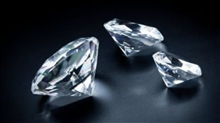 Le géant du diamant De Beers déménage son siège social au Canada vers l'ouest du pays.