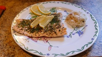 Vos meilleures recettes franco-manitobaines : saumon en papillote sur le BBQ