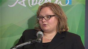 La ministre de la Santé albertaine, Sarah Hoffman.