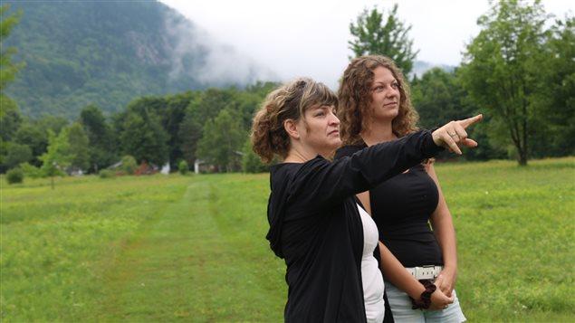 Céline Beaulé et sa fille Camille sur leurs terres