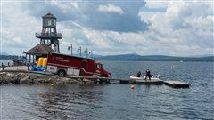 Les pompiers occupés sur la lac Memphrémagog