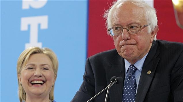 Hillary Clinton a reçu l'appui de 2807 délégués, comparativement à 1894 pour Bernie Sanders.