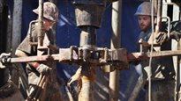 Des travailleurs de l'industrie du pétrole en Alberta.