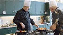 Maladie d'Alzheimer : le défi de bien s'alimenter