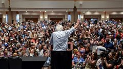 Sanders hué après avoir demandé à ses partisans de se rallier à Clinton