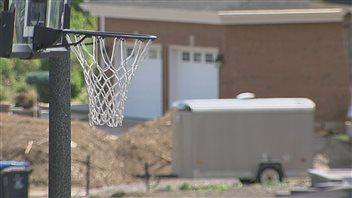 La Ville de Québec tolèrera les paniers de basket dans les rues