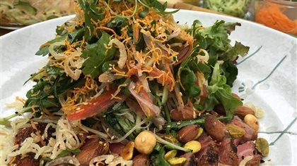 Tataki de bœuf aux 7 épices japonaises et salade