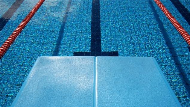 Plongeon d'une piscine