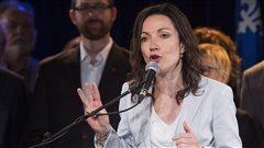 Français : Martine Ouellet prête à défier la Cour suprême