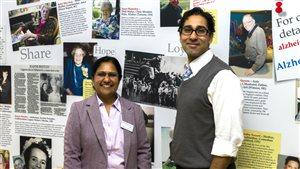 De gauche à droite : Padmaja Ganesh de l'Association de l'Alzheimer de Calgary et le chercheur Zahinoor Ismail de l'Université de Calgary.