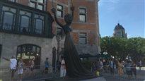 La béquille de la sculpture « Alice au pays des merveilles » a été arrachée.