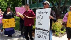 Manifestation pour dénoncer le travail de la DPJ dans les communautés autochtones