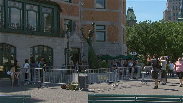 La sculpture de Dali a été vandalisée.